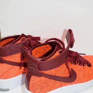 Nike - High Top Sneakers